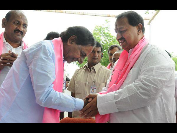 trs-d-srinivas-rajyasabha-member-joining-congress-