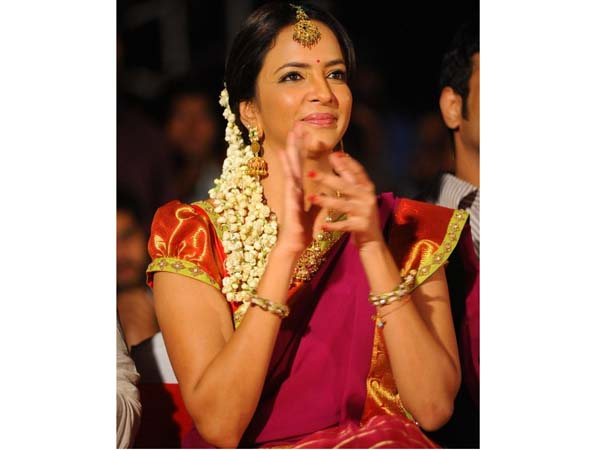 Manchu Lakshmi Class To Drunken People