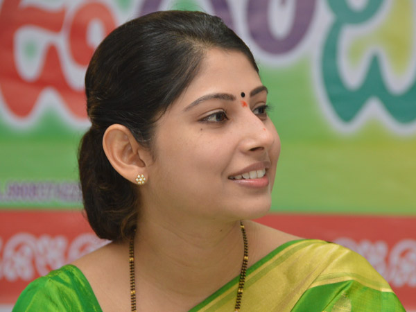 TRS government to release Rs.15 lakh for Smita case