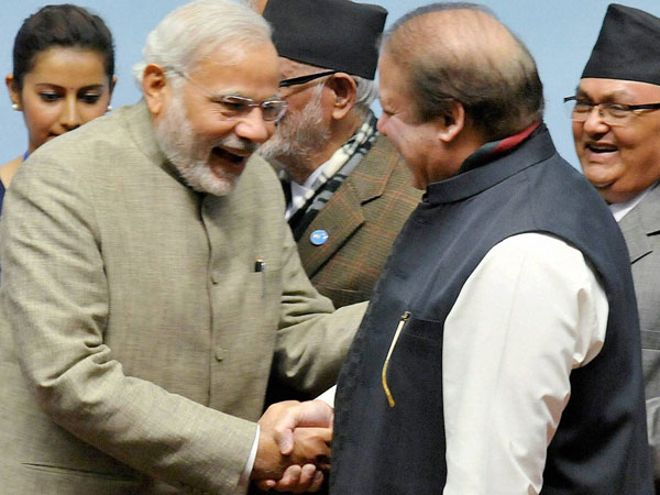 Pm Narendra Modi Nawaz Sharif Wave At Each Other Government Sources Deny It