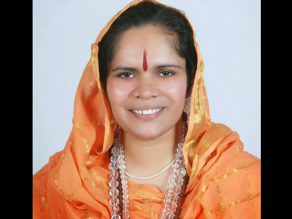 sadhvi prachi gives another controversial statement