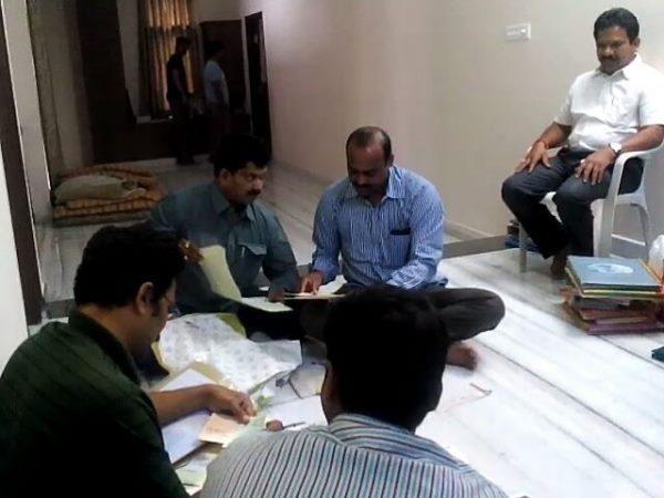 Acb Raids Kukatpally Acp Sanjeeva Rao House
