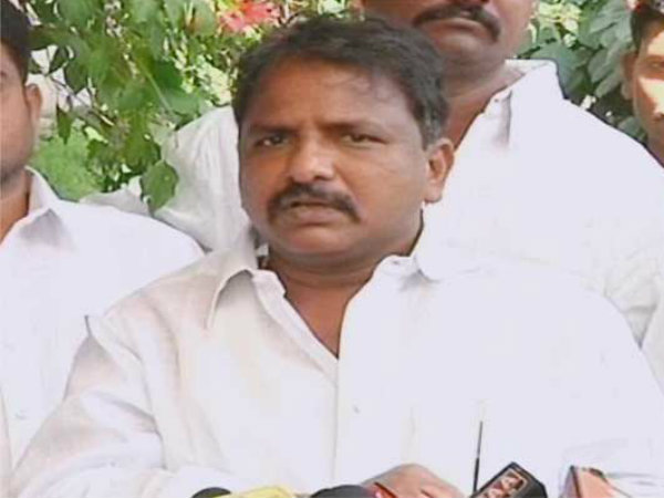 Congress leader Sailajanath on Saturday fired at Andhra Pradesh CM Chandrababu Naidu.
