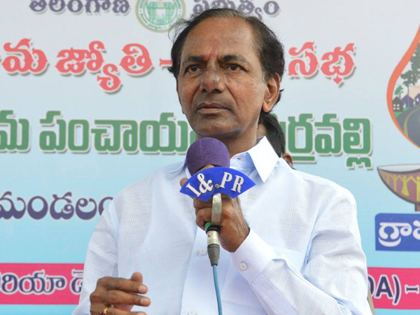 CM KCR says he talks about Bayyaram steel factory with PM Modi