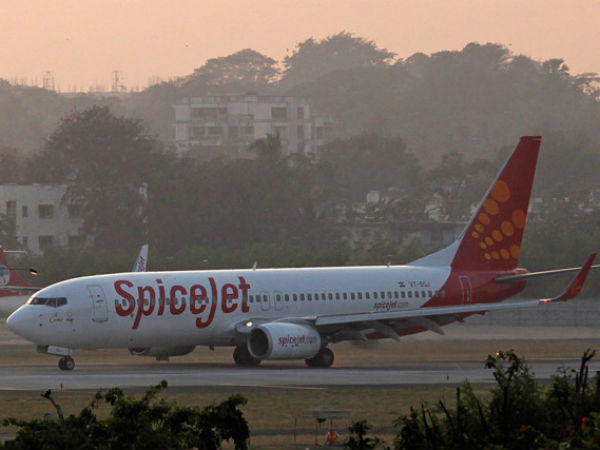 SpiceJet sacks pilot for locking himself in cockpit with an air hostess