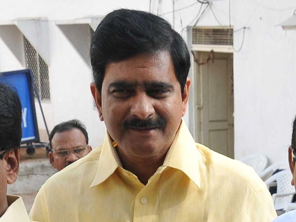 Tdp Mp Hot Comments On Telangana Cm Kcr