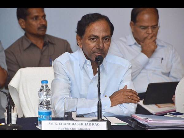 'Why KCR did not talks about high Court in his Delhi tour'