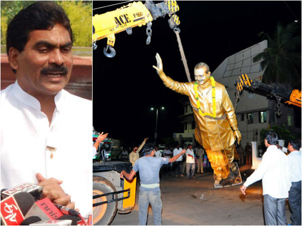 Lagadapati Rajagopal On Ysr Statue