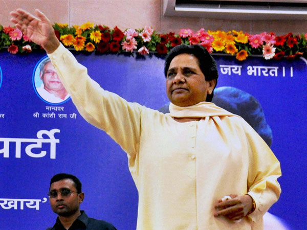 BJP leader calls Mayawati 'worse than a prostitute', Jaitley apologises