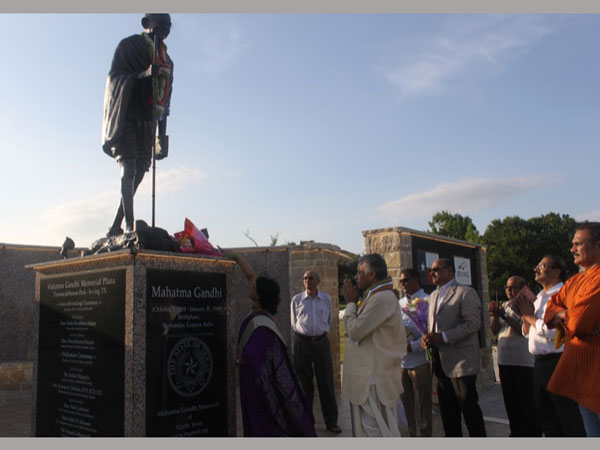 July 4th Happy Independence Day greetings to USA from Mahatma Gandhi Memorial