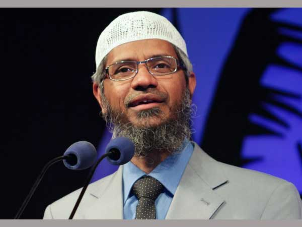 Zakir Naik slaps Arnab Goswami with Rs 500-crore defamation notice for running 'hate campaign'