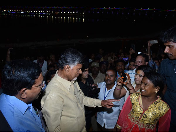 Chandrababu asks Pushkara devotees about arrangements