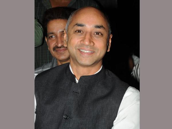 Guntur Mp Galla Jayadev Enquiries People About Currency Ban