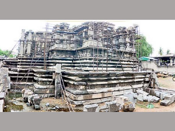 Historical constructions neglected in Warangal
