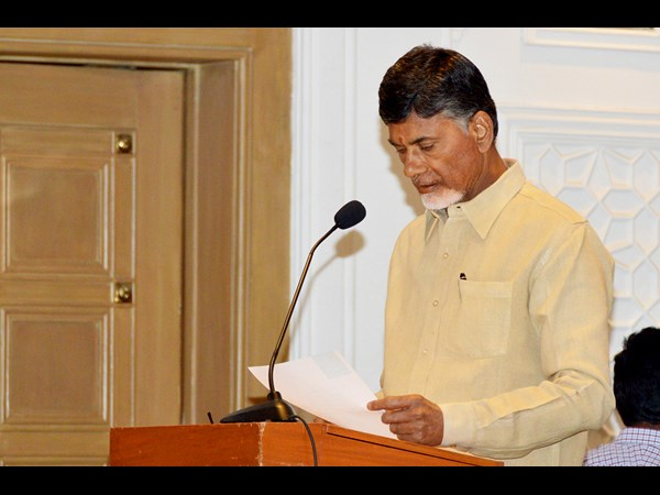 Chandrababu Naidu comments over special status in Anantapuram tour