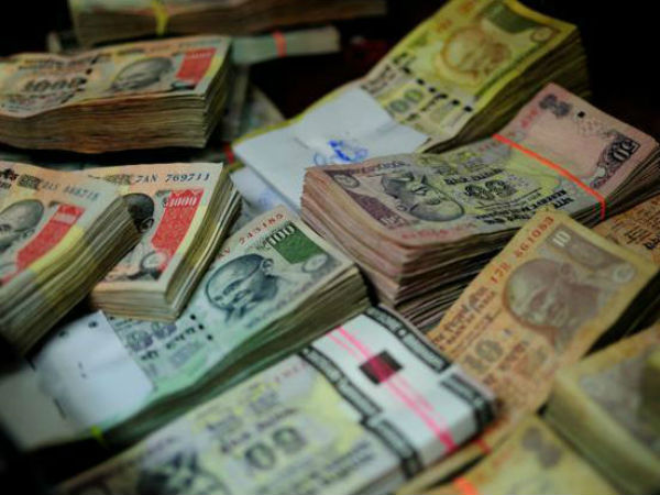 'Ready to queue' BJP leader caught with ₹20 lakh in new currency notes