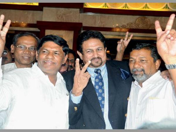 హెచ్సీఏ ఓటింగ్ షురూ: ఆరు పదవులకు 18 మంది పోటీ