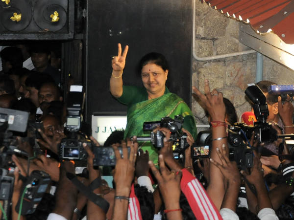 Growing support for Sasikala from tamilnadu people