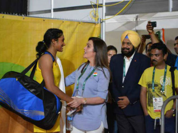 Nita Ambani Congratulations Pv Sindhu for number 5 in BWF Ranking