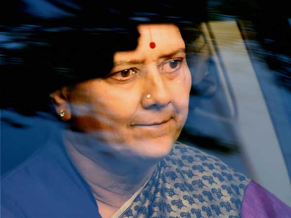 Iam not a petty thief says sasikala to bangalore jail office