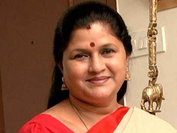 Nirmala Periyasamy will join OPS team on today from Sasikala team.
