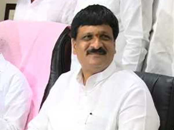 TRS Hyderabad chief qualifications differ