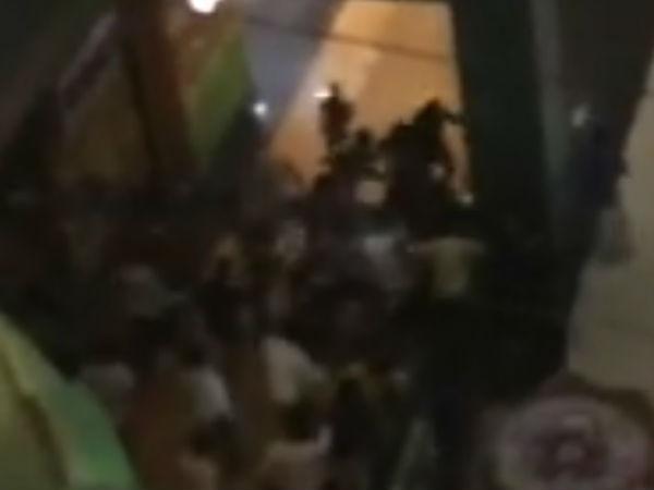ఎందుకో తెలియదు: కత్తులు, రాడ్లతో నైజీరియన్లపై దాడి, యోగి సీరియస్(వీడియో)