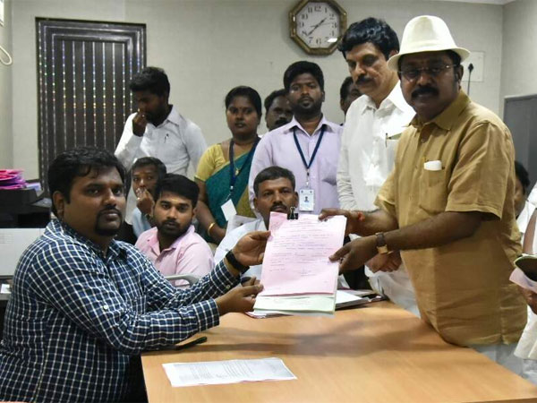 TTV Dinakaran's nomination accepted after prolonged suspense