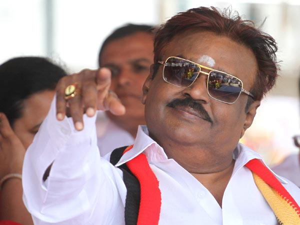 Vijayakanth admitted at hospital, party members are in tension