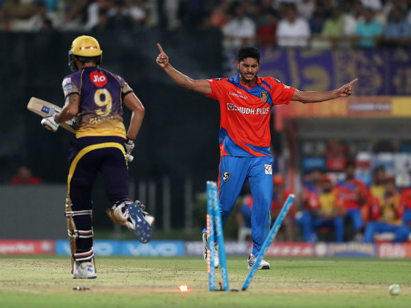 Gujarat Lions win the toss and elect to field