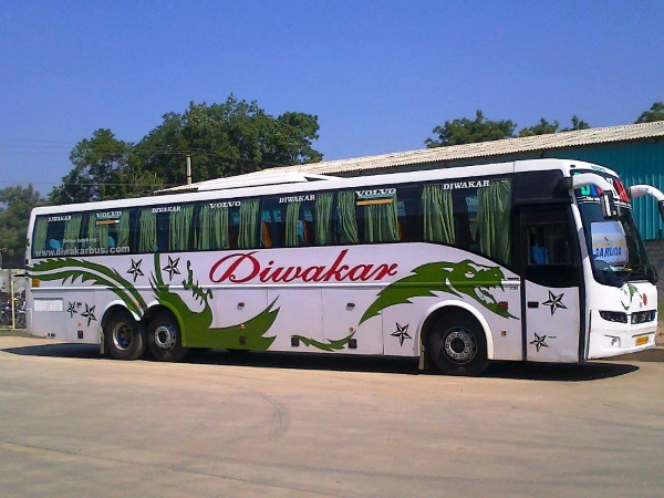 diwakar travels bus attacked with stones
