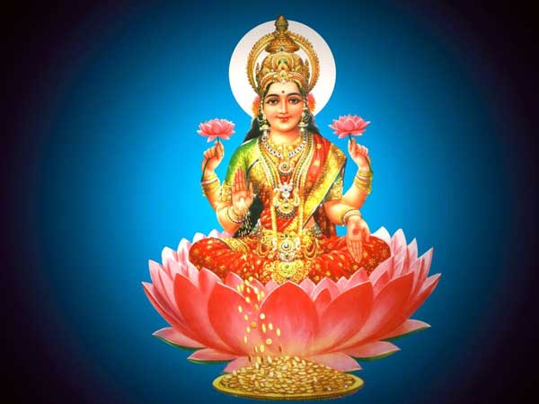 What type of Lkashmi Devi should be in the house?
