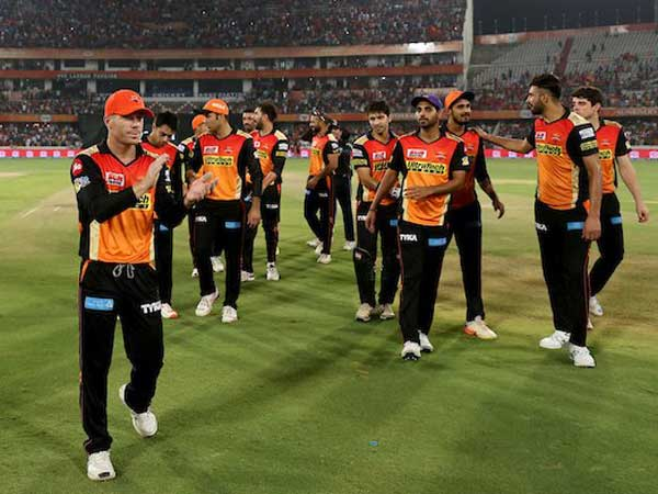 IPL 10: Match 21: Sunrisers Hyderabad win the toss and elect to bat
