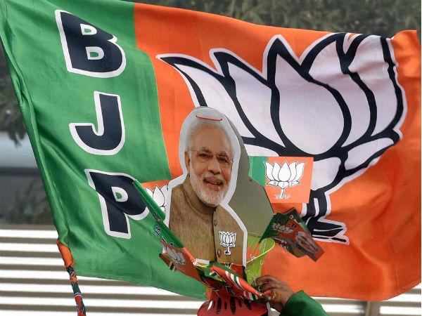 ఎగ్జిట్ పోల్: మోడీ హవా, ఢిల్లీలో మూడింట బీజేపీదే గెలుపు, కేజ్రీ ట్వీట్!