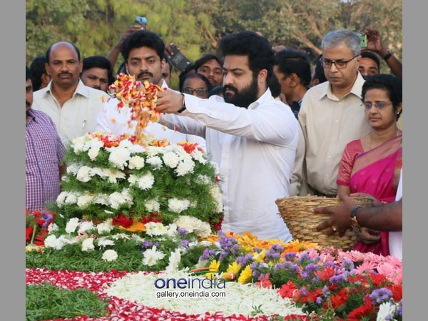 ఆ స్థానం మరెవ్వరికీ దక్కదు: ఎన్టీఆర్ ఘాట్ వద్ద జూ ఎన్టీఆర్