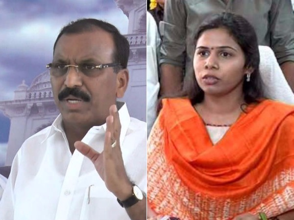 Silpa Mohan Reddy try to obstruced development works in Nandyal:Akhilapriya