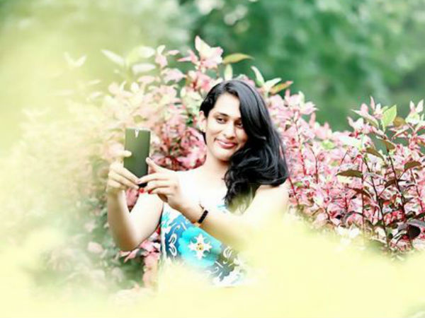 'శిరీష మృతిపై అనుమానాలుంటే హైదరాబాద్ రండి', 'రెండో హ్యాండ్ బ్యాగ్ ఎవరిది'
