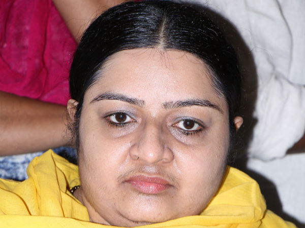 Deepa Stakes Claim Jaya S Poes Garden Residence Denied Entr