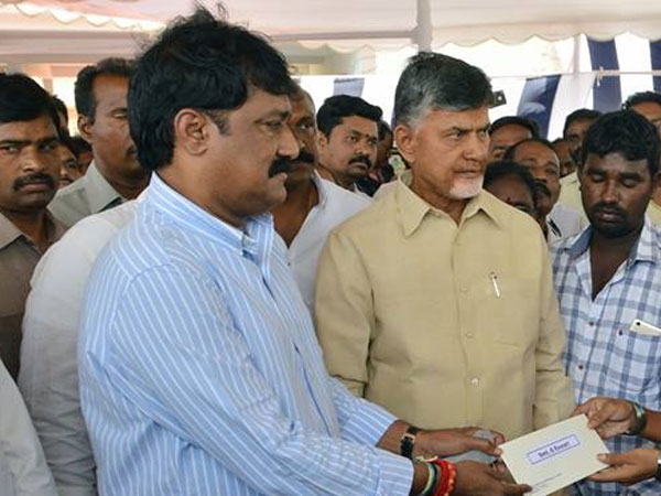 Chandrababu Fires At Ganta Teachers Transfers Issue
