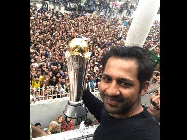 ICC Champions Trophy: Triumphant Pakistan cricketers given heroes' welcome back home
