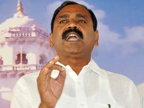 Bhumana Karunakar Reddy Fires At Raghuveera Reddy Congress