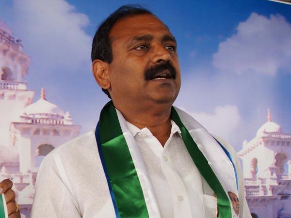 Chandrababu Naidu Is Shivering With Ys Jagan S Navaratnalu Promise