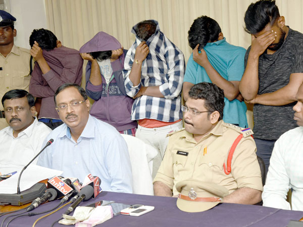 Visakhapatnam Five Gay Club Members Held Extorting Rs 2 Lakh From Man