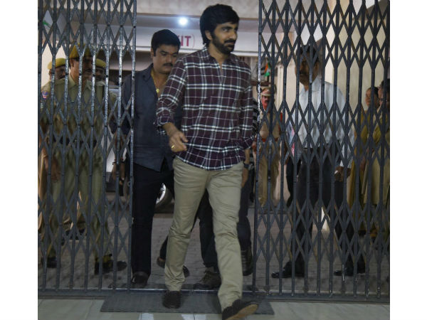 Hyderabad Drug Racket Sit Questions Telugu Actor Ravi Teja