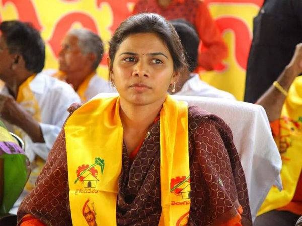 Nandyala By Election Only Two Options Akhilapriya