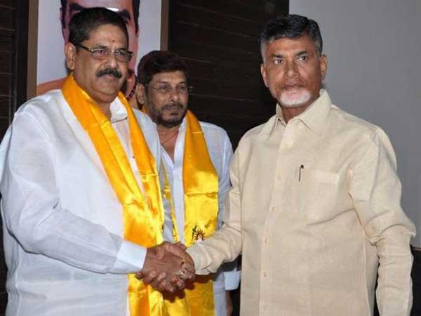 Chandrababu Naidu S Dream Project Anam Ramnarayan Reddy S Hands