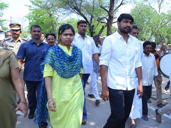 Bhuma Akhila Priya Says Are New Politics
