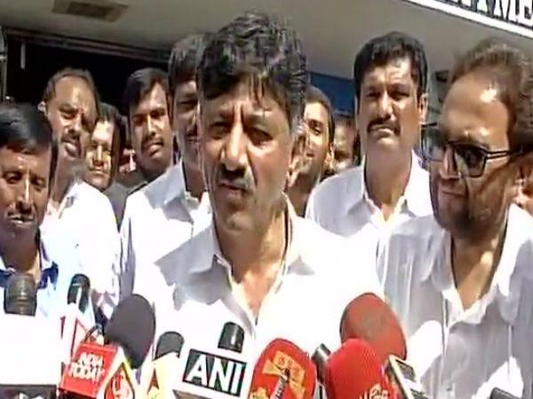 Dk Shivakumar Leaves It Dept Office Bengaluru After Being Qu