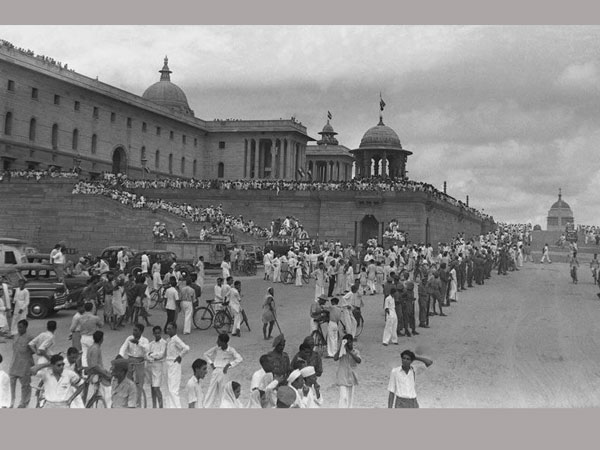 Birth Of Indias Freedom: How Major Newspapers Headlined Independence 70 Years ago