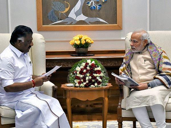 Paneerselvam Team Met Prime Minister Narendra Modi At Delhi